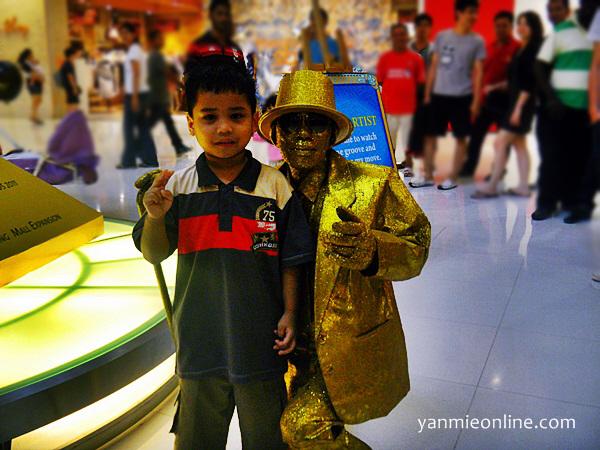 Aiman & Gold Man