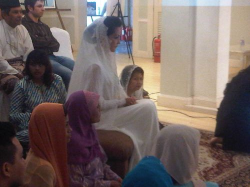 gambar perkahwinan yasmin hani dan shaarin