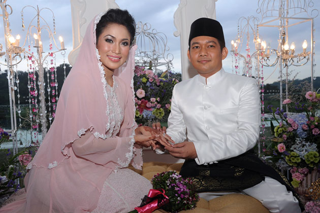 gambar perkahwinan ezlynn