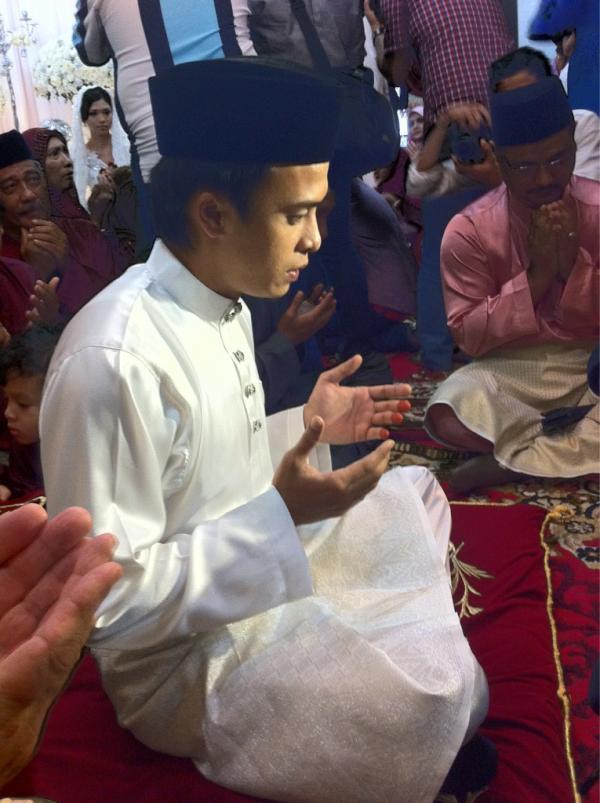 gambar perkahwinan zahiril adzim dah shera aiyob