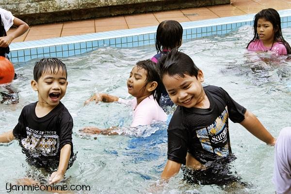 mandi kolam di presint 9 putrajaya