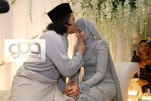 gambar perkahwinan ana raffali dan naim