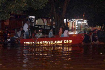 Banjir Kilat Di Lembah Klang 4.9.2012 Menyebabkan Kesesakan Teruk