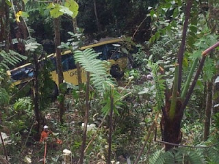 Kemalangan Bas Terhumban Jatuh Gaung Di Genting Highland 21.8.2013