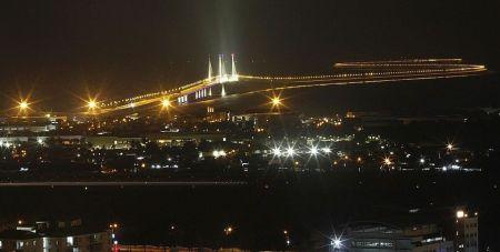 Gambar Jambatan Kedua Pulau Pinang Bercahaya