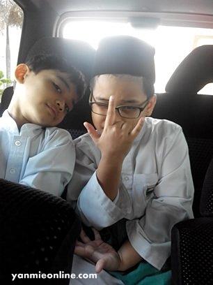 budak sekolah agama