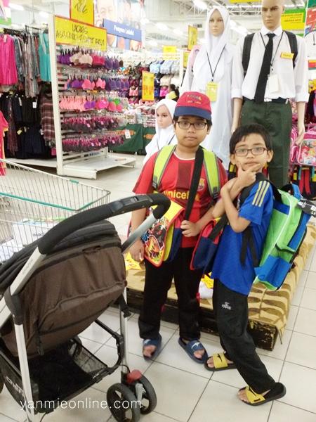 shopping barang sekolah