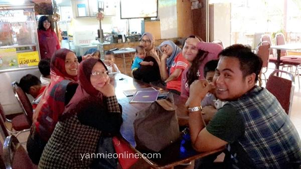 kedai makan di puchong