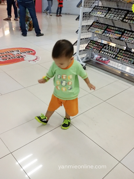 shopping kasut kanak-kanak di gm klang