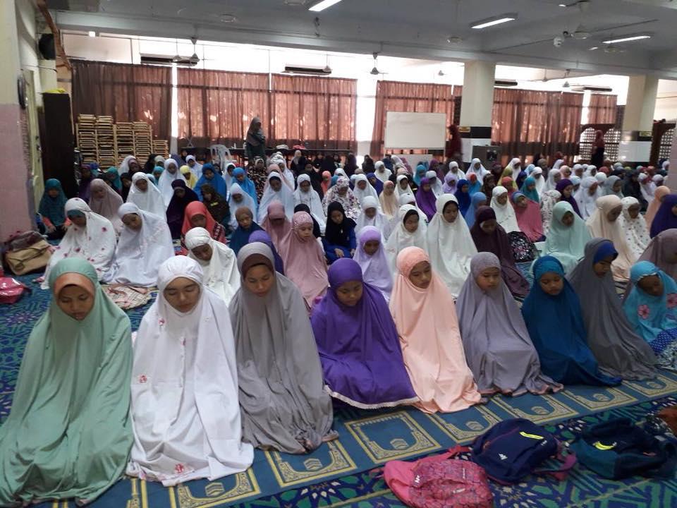 solat di masjid jamek klang